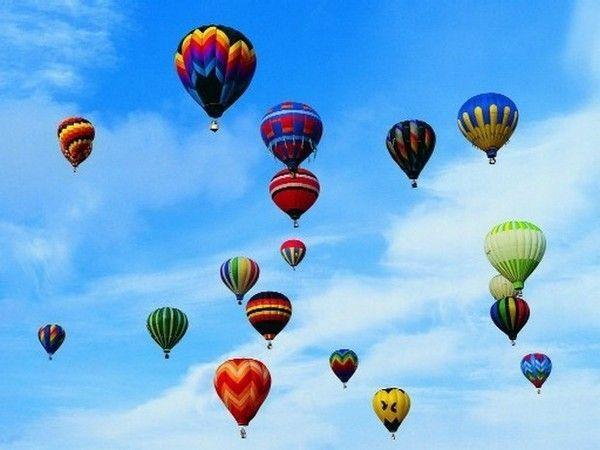 Montgolfières - Plusieurs au ciel